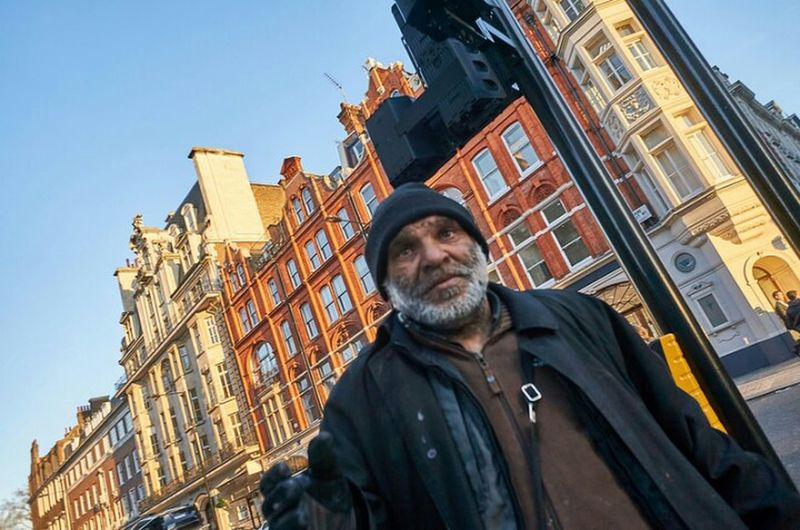 Low Angle View Building Exterior City Clear Sky Urban Life Street Photo Streetphoto London Calling Londonstreets Streetphotography Street Photography Outdoors Beggar Aggressive StreetlifeUrban London Streets Fitzrovialitter Statue LONDON❤ Architecture Low Angle View Building Exterior Human Representation Marylebone