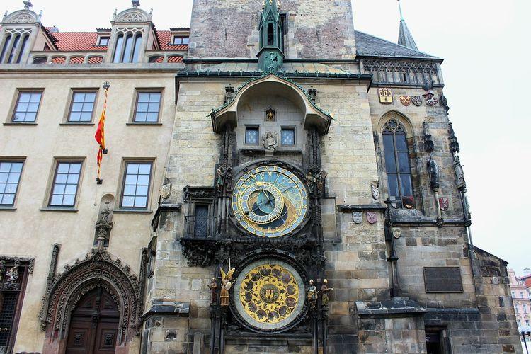 Prager Rathaus Aposteluhr Altstädter Atronomische Uhr Gotischer Bau Technology 1410 Clock Architecture Travel Destinations Czech Republic Prag Façade Photography History Architecture Tower Astronomical Clock