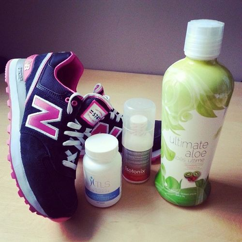 That healthy lifestyle ☆ Aloe Aloejuice Isotonix Bcomplex vitamins tls fitness health healthy workout kicks newbalance sneakers lifestyle instamood instagood inspiration igers igerstoronto
