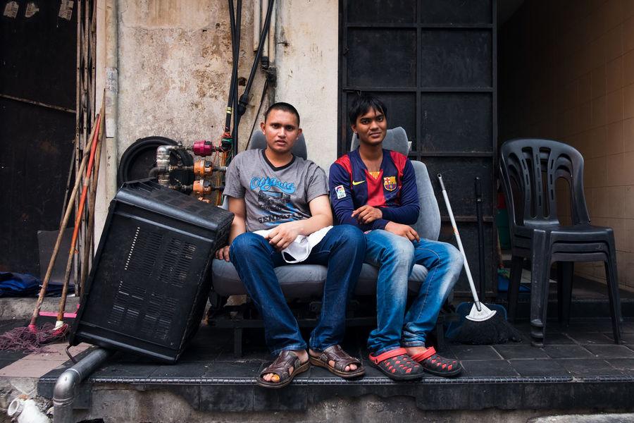 Streetphoto Streetphotography Street Photography Hanging Out Hi! Malaysia Fujifilm Backalley