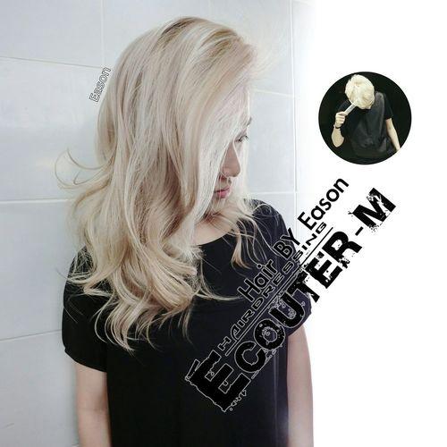 ♡涼感輕飄色系為主。 直接點 ↪ #EasonHairstylists @EasonHairstylists ✔不用假貨OLAPLEX 🔊不同底色上色一定會不一樣 ✔再度提醒髮質乾燥或漂髮一定要選擇 #Olaplex 強韌頭髮,沒用一定會後悔 Ps. 🚩回家一定要用 #萊肯矯色洗髮精 和 OLAPLEX 第三劑強韌頭髮 👍 Eason預約⤵ ➤Instagram ID:EEEASONJEN ➤ LINE:EEASON(請傳要預約的日期、姓名、電話、項目) ➤ ➤【 ÉCUTER 線上產品購買 】輸入我的代碼Eason也能享有會員9折免運費喔! easonjen.pixnet.net/blog/post/198240480 Olaplex #beauty #Beautiful #day #Eastern #gray #popular #Fondleadmiringly #popular #color #dye #hair #Bleachinghair #ecouter Taipi Handsome