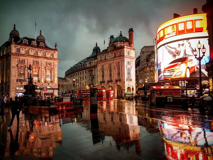 Rainy london London Piccadillycircus Londonlife City City Life No People Architecture Illuminated Outdoors Night England Cities At Night Beautiful Winter Paint The Town Yellow The Week On EyeEm