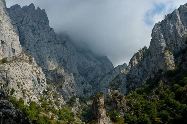 Arid Climate Cliff Exploring Geology Landscape Mountain Mountain Range Non-urban Scene Physical Geography Rock Rock - Object Rock Formation Rocky Rocky Mountains Rough Scenics Tranquil Scene Valley Picos De Europa Rutadelcares