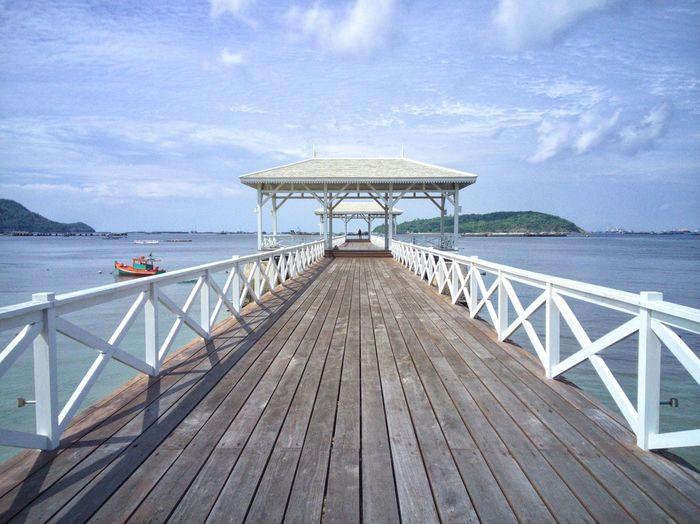 สะพานไม้บนเกาะในประเทศไทย Sailing Ship Water Sea Boat Deck Nautical Vessel Beach Sailing Harbor Wood - Material Jetty