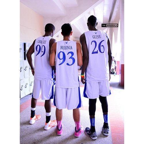 Chibueze x Belonia x Gueye of the Ateneo Team B ??? . . . Fmc FrMartinCup Admu Ateneo agb ateneogloryB hoop basketball themanansala kotd kickspotting kickstagram instakicks