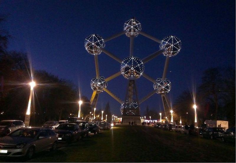 Brusseles Atomium, осень 2014 Hello World