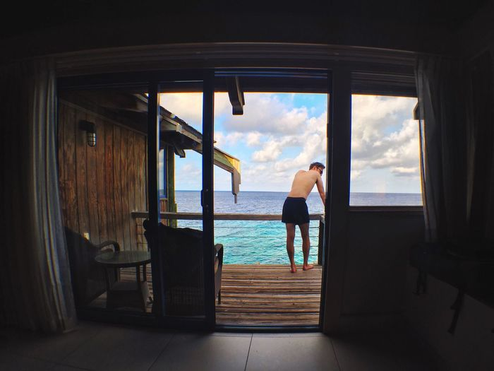 Eyeemphoto Ocean View Man FiveSigmaPhoto Places Color Photography Sky And Sea Man And Sea Inside Looking Out Inside Outside Blue Sky Olloclip IPhoneography IPhone 6s People And Places