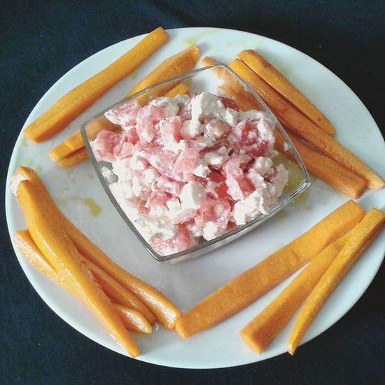 Mittagessen Gemüse Karotten Tomaten Fetakäse Möhre Lecker Gesund Liosnapshot Essen DeliciousFood