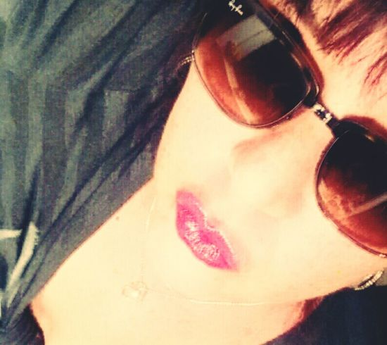 Happy weekend... One Young Woman Only Human Body Part Beauty Is In The Eye Of The Beholder Summertime Enjoy The Moment Pink Lips💕💕 Sunglass Selfie Girls With Freckles Natural Beauty No Makeup Women With Curves That's Me! Duck Face Friday 😚