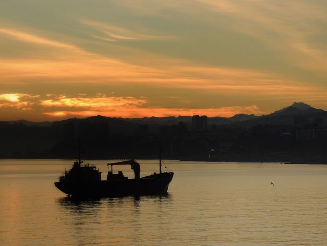 Happy Friday! Sunrise Sunrise_Collection Beautiful Sunrise Beautiful Morning Sunrise Silhouette Clouds Lovers Sky Colors Waterfront Transportation Nautical Vessel Mountain Reflection Bay Of Valparaiso From My Office Window Valparaiso, Chile