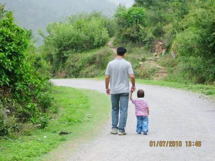 Father & Son Humanrelationships Love Affection Guide Holdmyhand Love My Family ❤ Myworld Eyemphotography EyeEm Best Shots