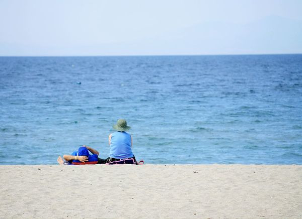 Rest Beach Beach Photography Blue Couple Older Couple Rest Sea Sea And Sky