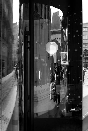 Architecture Black & White Black And White Blackandwhite Building Exterior Built Structure Canon City Day EyeEm EyeEm Gallery EyeEmNewHere Outdoors People Real People The Street Photographer - 2017 EyeEm Awards Streetphoto_bw Street Photography Street Reflection