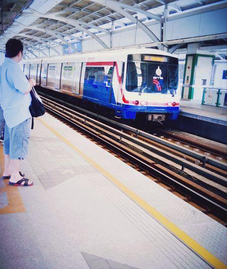 My Commute Skytrain BTS Skytrainbangkok Skytrain Passenger Comuters Journey Go To Work Travel