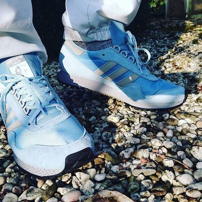 Solexclusiveuk 7daysofadidas Trefoilonmyfeet Adidasnewyorkspzl Carlosruiz Adidasnewyorkargentina Todaystrainers Sun is shining, weather is sweet now, makes you wanna move your trefoil feet now.. As the legendary Bob Marley would say...