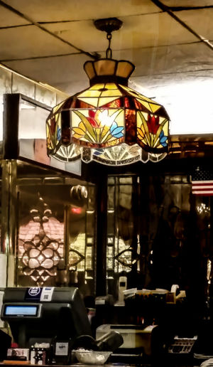 Tiffany lighting at one of the local diners. Tiffany Lamp Eye4photograghy Getting Inspired Diner