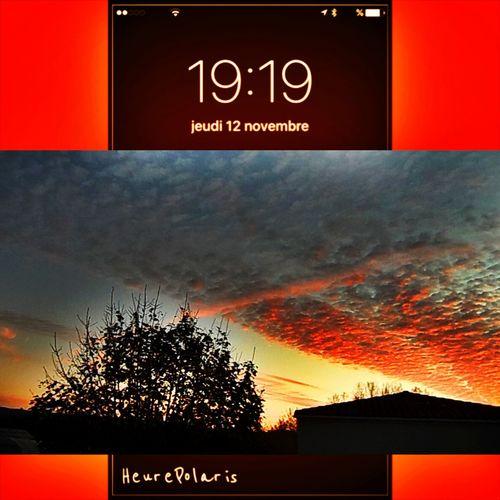 19H19 heureusement que le ciel est splendide, il permet de voir la vie d'un autre oeil ☀️🙏 HEURE POLARIS Automne Autumn Heure Time Hour CIELFIE Skyfie Nuages Ciel Et Nuages Coucher De Soleil Soleil Couchant Sun Sunrise Clouds Clouds And Sky