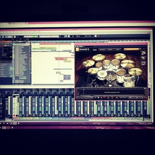 The Mix is done. HerMajesty Studioday Toontrack Ezdrummer