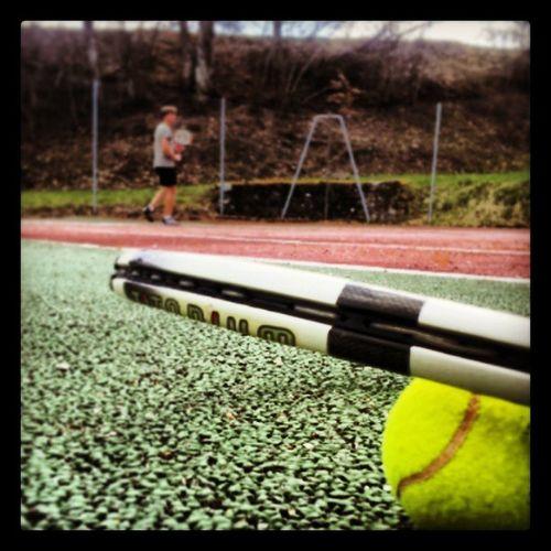 Petit tennis ? Tennis Balle Jaune Orange vert raquette tennisman village hobbies fun sport