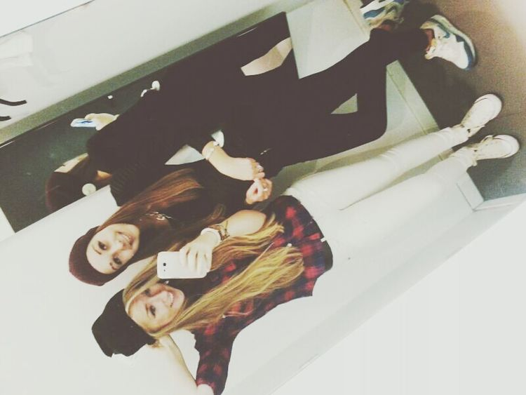 Friends ? Bestoftheday Style Fashion Friends ❤