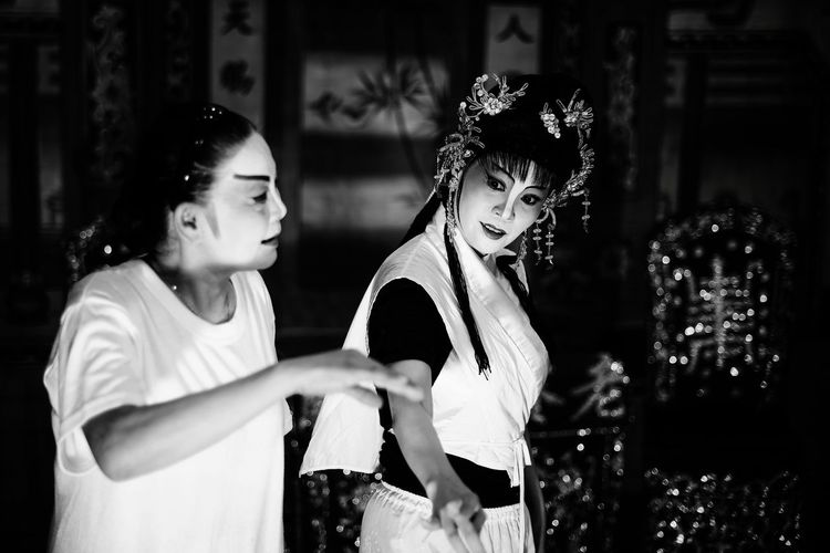 Shades Of Grey Black And White Chinese Opera Troupe Painted Face Lady Traditional Culture Asia Art Form Portrait Of A Teochew Opera Singer Asian Woman Light And Shadow Dance Rehearsal