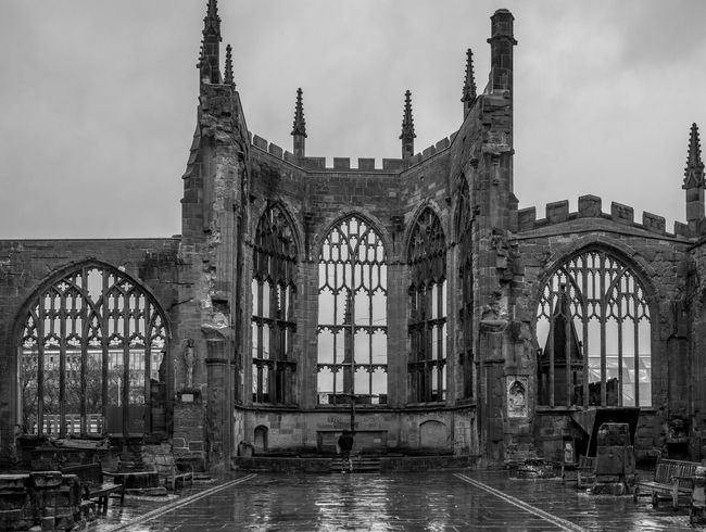 The altar, Coventry Cathedral ruins Cathedral Coventry Cathedral - UK Blackandwhite Black And White Monochrome Street FUJIFILM X-T2 Coventry Altar Architecture History