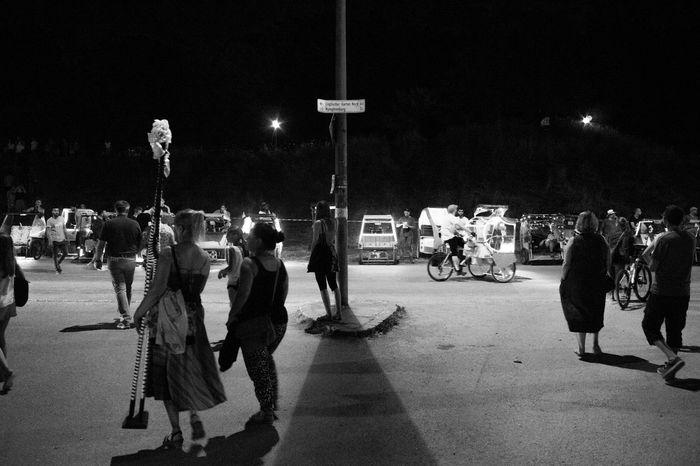 Tollwood Festival Nightphotography Lowlight Blackandwhite