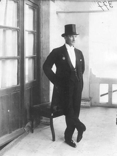 Atatürk Karizma Turkey Adam  Uluonder