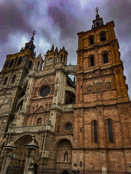 Architecture CaminodeSantiago Caminodesantiagopage Cloud - Sky Jakobsweg Low Angle View Place Of Worship Religion