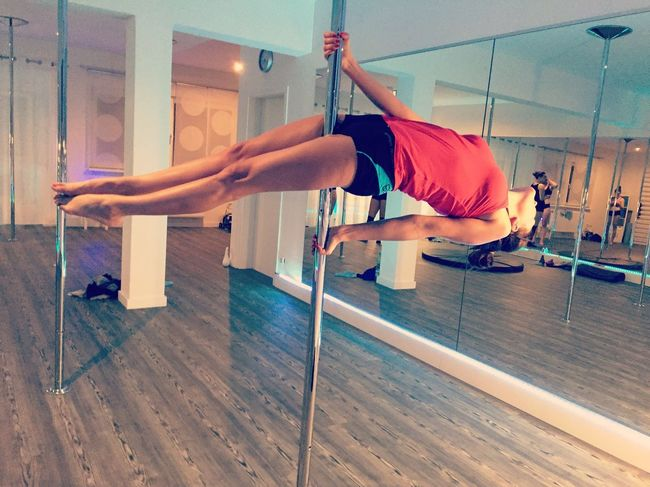 Poledance Pole Dancing Poledancepassion Passion Poledancefitness Poledancebeginners Poledancelove Kunst Ist Was Du Daraus Machst Polefitness Check This Out Sport Loveyourlife Cherie Befree Relax