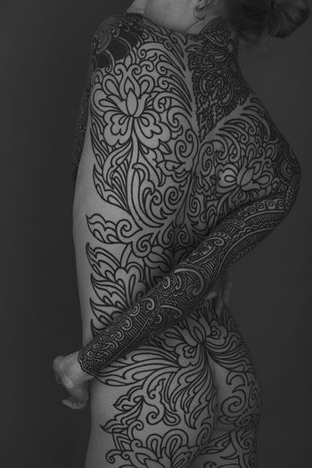 Pattern One Person Indoors  Midsection Design Adult Human Body Part Women Lifestyles Floral Pattern Studio Shot Tattoo Hand Art And Craft Real People Creativity Standing Human Hand Close-up Black Background Portrait Portrait Of A Woman Blackandwhite Black And White My Best Photo