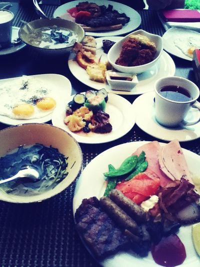 Having a blast. Breakfast time with my bestie! Muacks