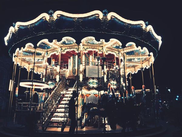 Atlıkarınca Lunapark Funfair Horse At Child Fun Işıklar Parıltı