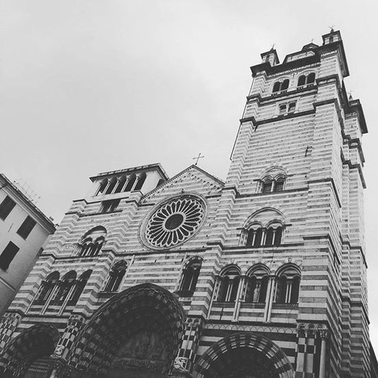Back Home! Lifeinshots Genova Genovatales Chiesa Cathedral Sanlorenzo NewPhone Motog3 Likeforlike Like4like Follow Followme Followforfollow Followback