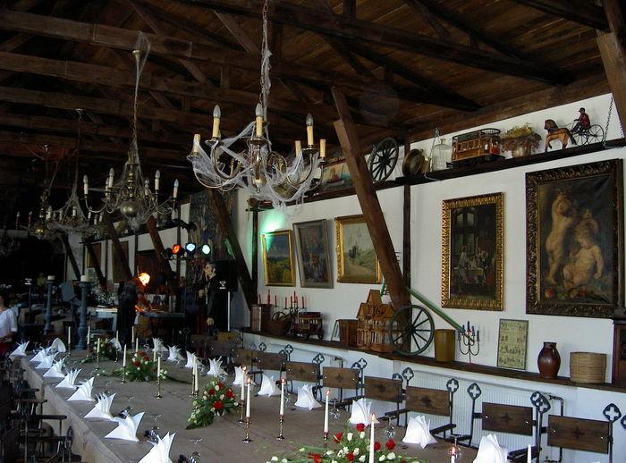 Arrangement Indoors  No People Restaurant Schloss Dracula Table