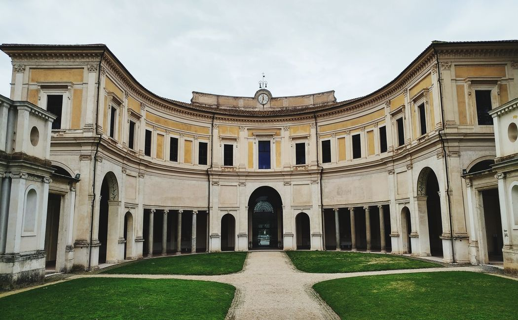 VILLA GIULIA  Roma Politics And Government King - Royal Person Government Politics Colonnade Archway Column Palace