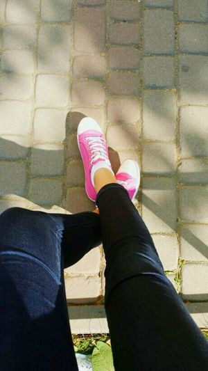 Street Photography Replay Pink Jeans ShoutOut Girls Spring Bemorethanbeautiful Go Ahead University