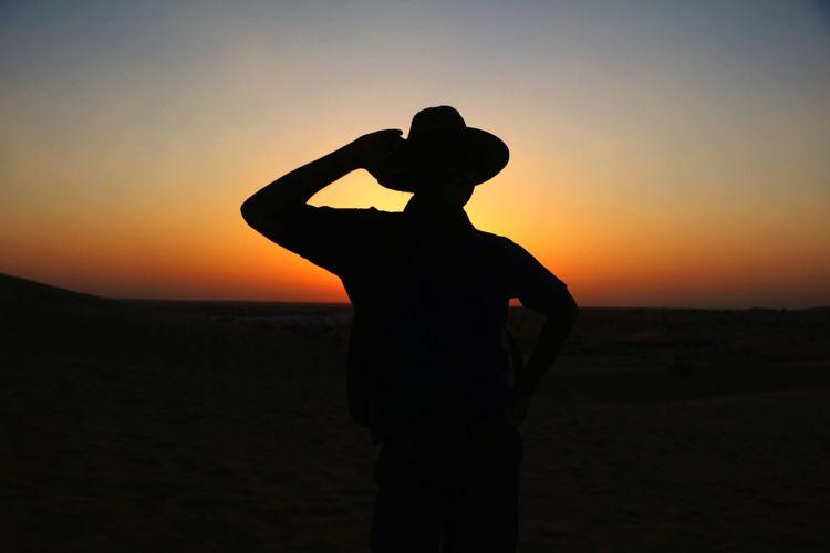 Shillouette Rajasthan Jaisalmer Jaisalmerdiaries Jaisalmar,India Rajasthani Culture Rajasthandiaries Sunset Standing Desert Sky Landscape Sand Dune Shining Atmospheric Sun EyeEmNewHere Focus On The Story The Traveler - 2018 EyeEm Awards