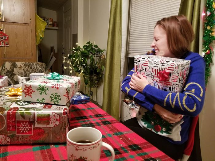 EyeEm Selects Christmastime One Person Tea - Hot Drink Indoors  People Teapot Food And Drink Only Women One Woman Only Home Interior Adults Only Day Adult One Young Woman Only Blond Hair Young Adult Freshness Christmas Eve Holidays