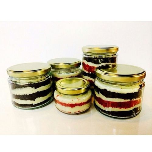 CAKE IN A JAR? ONE OF THE BEST GIFT FOR YOUR LOVED ONES ? AVAILABLE IN: MINI 150ML REGULAR 300ML LARGE 500ML FLAVORS: RED VELVET CAKE CHOCO CREAMCHEESE BANANA CHOCOLATE ORDER NOW SMS/VIBER US AT 09159380206 LIKE OUR PAGE AT www.facebook.com/gspot13 OR FOLLOW OUR IG @ 1c3l1c1ous... Cake Cakes Cakeinajar Cakesinajar vanilla redvelvet banana chocolate cheesecake foodstagram yummyyyy foodorgyinmymouth yummyy delicious sweet mto cravings