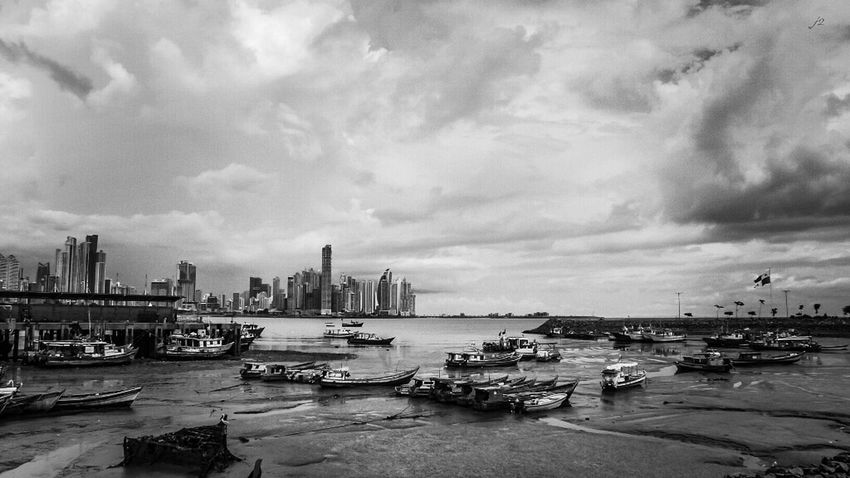 Nautical Vessel Delusionsj2 Black And White City Fantastic Exhibition Vista Panamá Blancoynegro Check This Out Blackandwhitephotography Photography Dramatic Sky Fotografia Taking Photos Tourism Streetphotography
