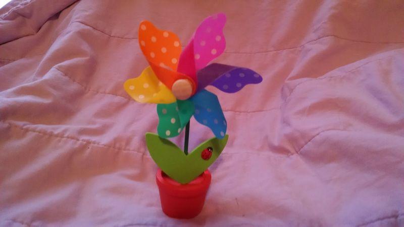 Pin Wheel Flower Close-up Multi Colored Art And Crafts Ladybug Flower Petals Flower Pot