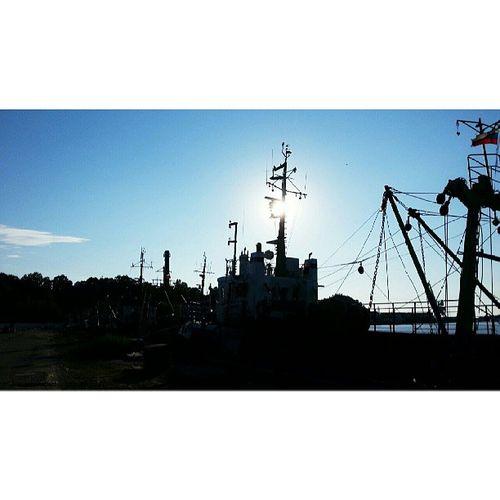 В порту. Пионерский причал порт