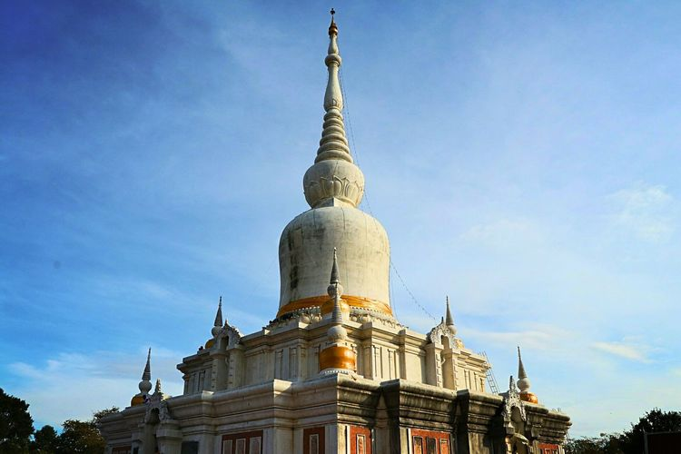 Religion Sky Pagoda Spirituality Architecture Place Of Worship No People Gold Colored Gold Statue Outdoors Day Pakoda Mahasarakham