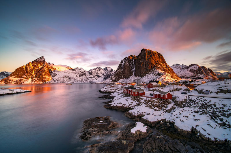 Arctic Sunrise II Hamnøy- Norway I was lucky enough to capture this wonderful sunset. The oldest fishing village in the stunning Lofoten archipelago is small, but unbelievably beautiful. It is considered to be one of the most picturesque villages in the municipality of Moskenes, which is also a popular tourist destination due to its scenic and unspoiled nature. Hamnøy Hamnoy Arctic Sunrise Sunrise Sunrise_sunsets_aroundworld Sunrise_Collection Sunrise And Clouds Norway Norway🇳🇴 Norway Nature Norwaynature Sky Beauty In Nature Scenics - Nature Water Cloud - Sky Cold Temperature Tranquil Scene Sunset Tranquility Winter Rock Nature Mountain Rock - Object Snow Idyllic Non-urban Scene Solid No People Ice Snowcapped Mountain Formation