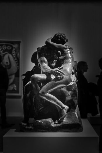 The Kiss Human Representation Statue Sculpture Representation Art And Craft Creativity Indoors  Male Likeness Female Likeness Fine Art Statue