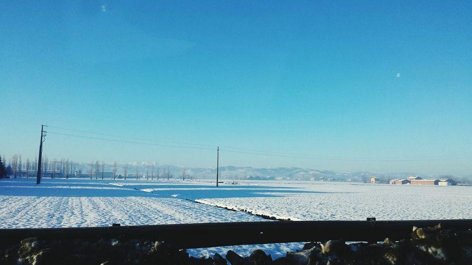 Destinazione Reggioemilia, - 6°C. Buon giorno. Dzień dobry Taking Photos Hello World Winter Oski Oskarjursza Emiliaromagna Hi! Every Picture Tells A Story In My Car