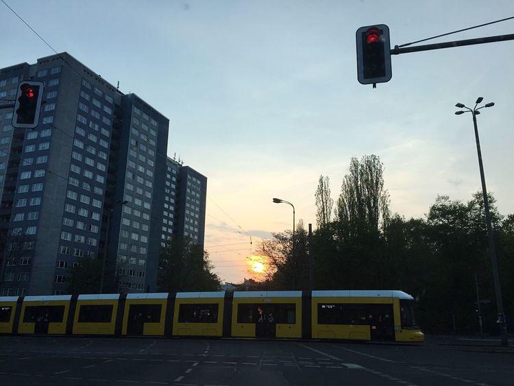 Prenzlauerberg Berlinickliebedir Muddastadt Sunset Beautiful Spontan Herrentag Ampeln Blockhaus Urlaub Lovethispicture Berliner Straßenbahn Berlin By Night Berlin Photography