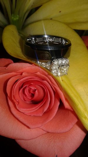 My wedding day. My own photo. Wedding Rings On Rings Rings On Flowers Wedding Flowers Wedding Wings Diamomds On Petals
