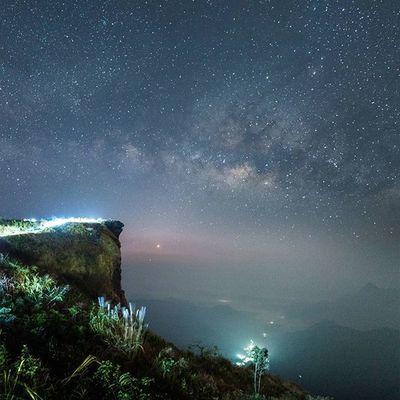 ใจกลางกลุ่มดาวแมวป่อง Thailand Thetrippacker Lanscape_lovers Loves_siam Thenorthremembers Awesomeearth Wanderlust Astronomy Milkyway Outdoorresearch Walkwithuniverse Wanderlust